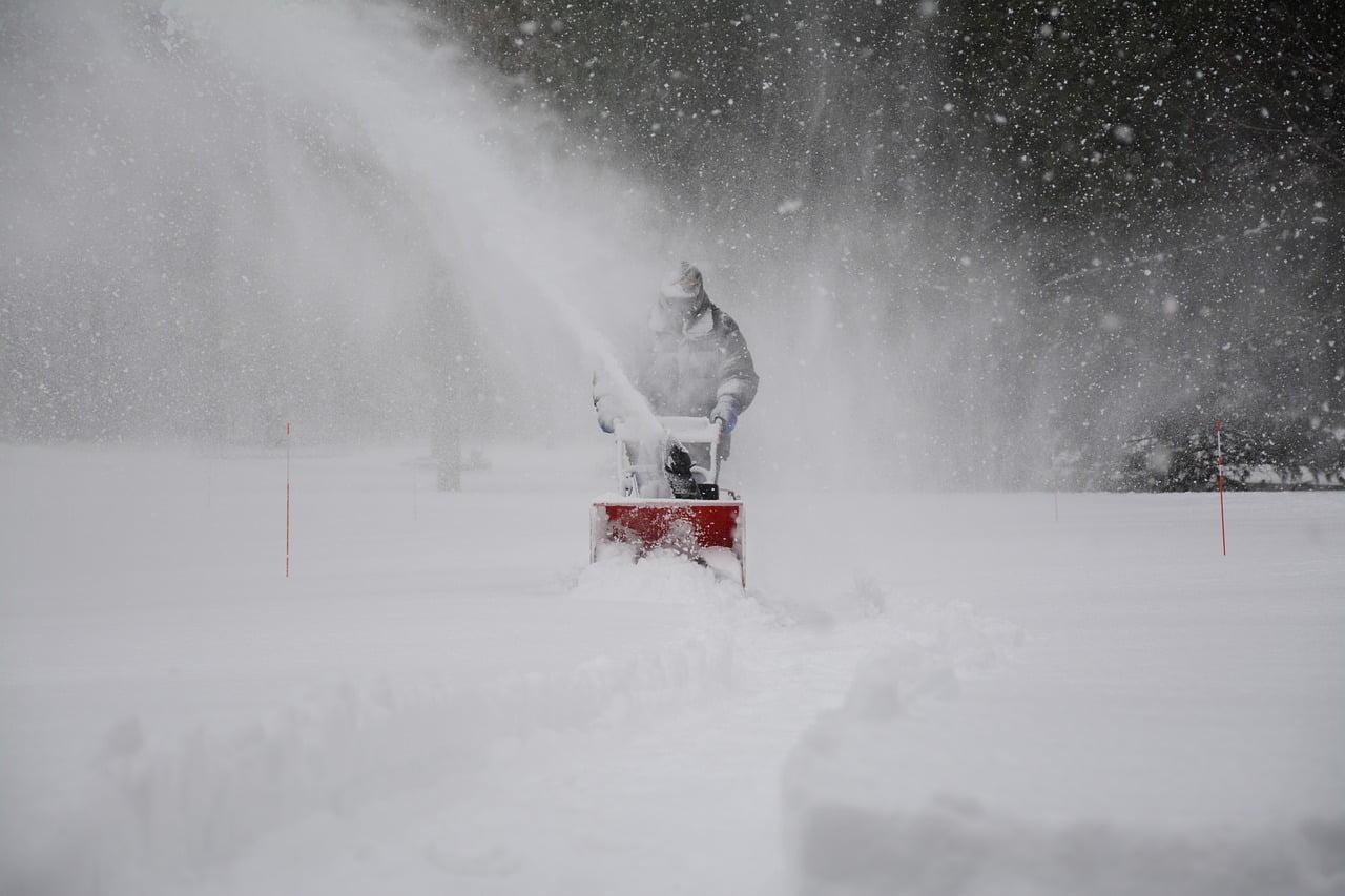 как ухаживать за снегоуборочной техникой